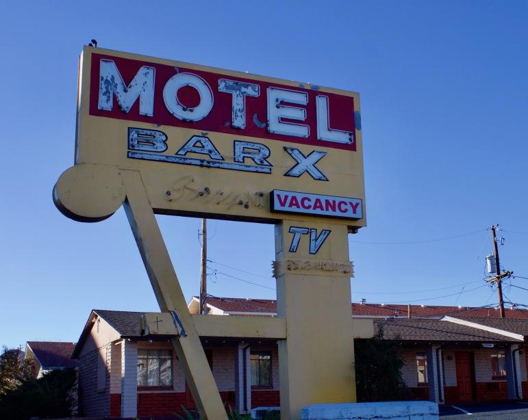 bar-x-motel-denver-sign