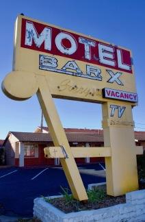 bar-x-motel-denver-vintage-sign